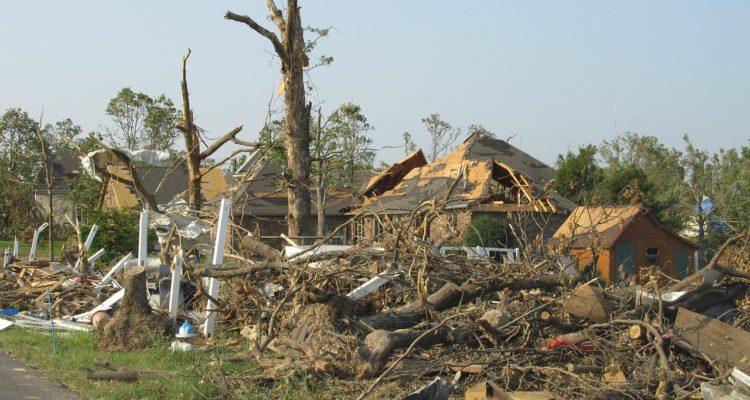 tornado-1650683_1280